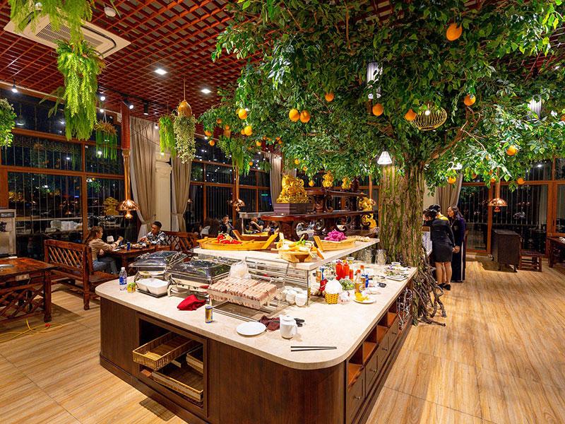 Nhà hàng tổ chức tiệc buffet với dịch vụ chuyên nghiệp