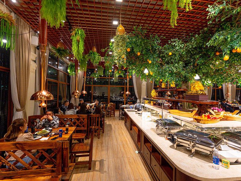 Tổ chức tiệc buffet đẳng cấp tại Đông Hoa Restaurant